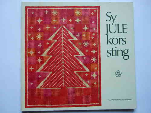 Sy Julekorssting / Crossstitch designed for Christmas